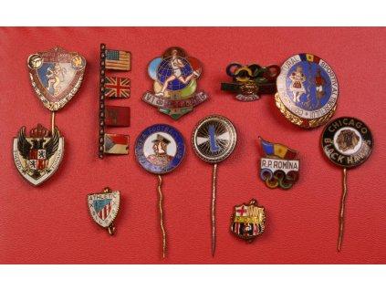 Svět ,12 ks odznaků, 20-té století, pestré, pěkné stavy