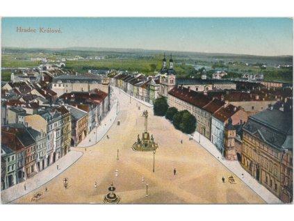 19 - Hradec Králové, pohled na náměstí, nákl. J. Kieslich, cca 1916