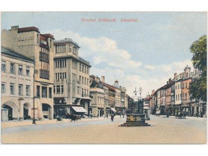 19 - Hradec Králové, oživené náměstí, cca 1913