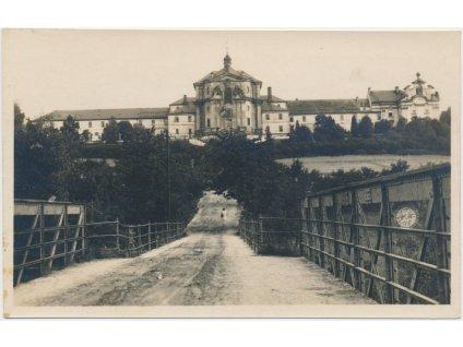 66 - Trutnovsko, Kuks, pohled na barokní komplex - Hospital, cca 1928