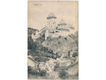 02 - Berounsko, Karlův Týn, podhradí a pohled na hrad Karlštejn, cca 1910