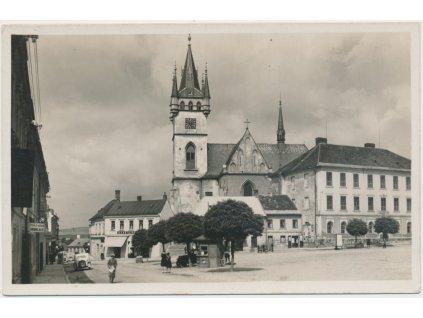 45 - Pelhřimovsko, Humpolec, oživené náměstí, Grafo Čuda
