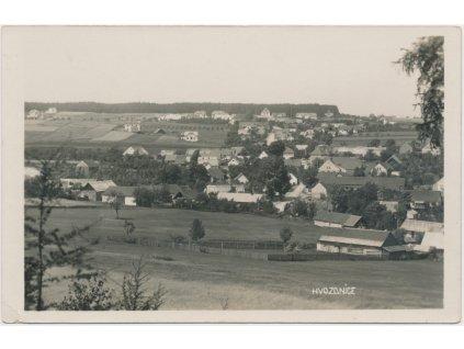51 - Praha - západ, Hvozdnice, celkový pohled na obec...