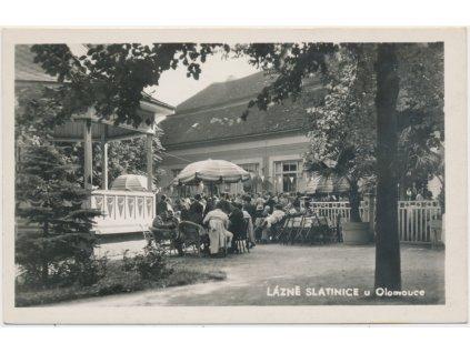 41 - Olomoucko, Lázně Slatinice, oživená partie ze sirnatých lázní