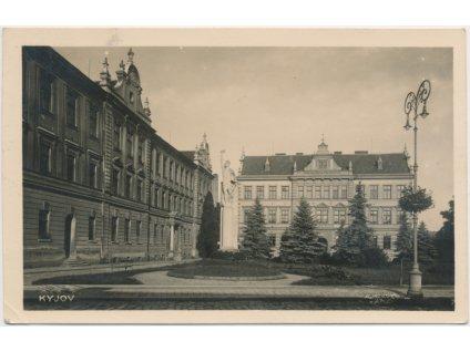 18 - Hodonínsko, Kyjov, Obecná škola pro chlapce-nyní gymnasium,1942