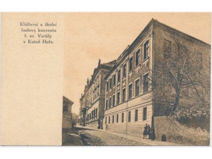 31 - Kutná Hora, Klášterní a školní budova konventu ř. sv. Voršily,  1938