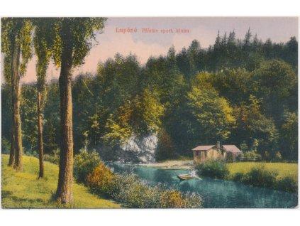 62 - Šumpersko, Lupěné, Přístav sport. klubu, loďka na řece, ca 1923