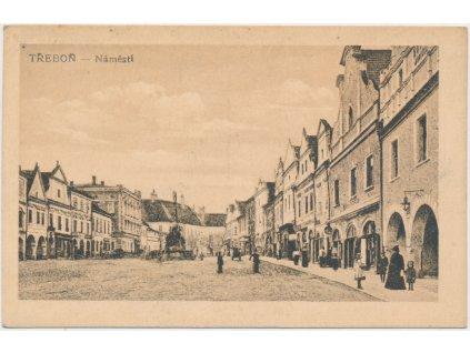 24 - Jindřichohradecko, oživené náměstí, cca 1920