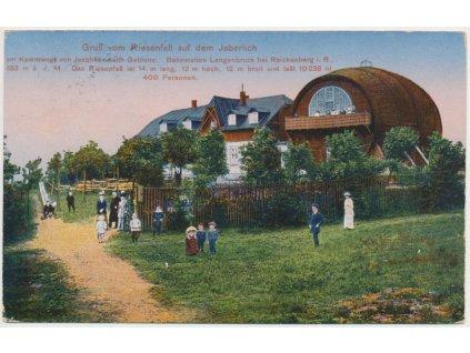 """32 - Liberecko, oživená partie před restaurací """"Obří Sud"""", cca 1922"""