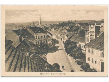 46 - Písecko, Milevsko, pohled na Husovo náměstí a část města, ca 1935