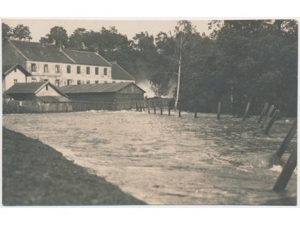 "64 - Tábor, povodeň r. 1925, ""Táborský vodopád"", Foto Šechtl a Voseček"