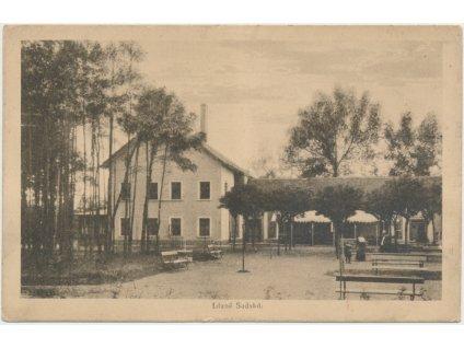 40 - Nymbursko, Lázně Sadská, oživená partie u restaurace, cca 1924