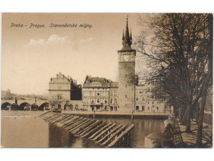 49 - Praha, pohled na Staroměstské mlýny u řeky Vltavy