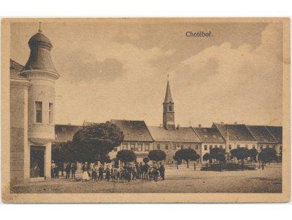17 - Havlíčkobrodsko, oživené náměstí, nákl. K. Míšek
