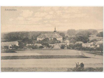 44 - Pardubicko, Zdechovice, pohled na obec a zámek, cca 1923