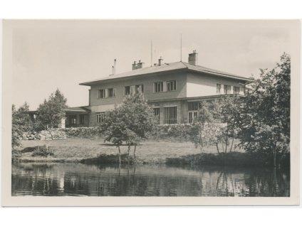 """75 - Žďársko, Milovy, partie u hotelu """"Devět skal"""", Grafo Čuda, cca 1945"""