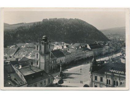 Slovensko, Banská Bystrice, oživené náměstí, Grafo Čuda, cca 1930