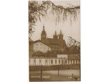 19 - Hradec Králové,  Bílé věže a katedrála sv. Ducha, cca 1925