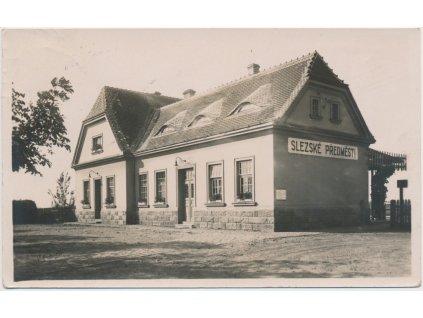 19 - Hradec Králové, Slezské Předměstí, vlakové nádraží, cca 1937