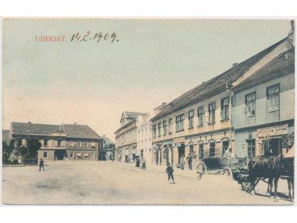 27 - Kladensko, Unhošť, oživené náměstí, koňský povoz, cca 1909