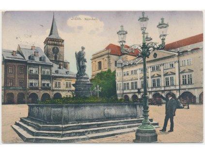 22 - Jičín, oživené náměstí, Nakl. O. Klos, cca 1914