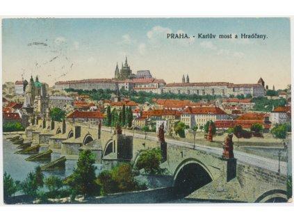 49 - Praha, Karlův most a Hradčany, cca 1918