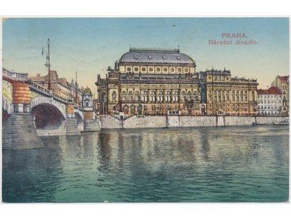 49 - Praha, pohled na Národní divadlo od Vltavy, cca 1917