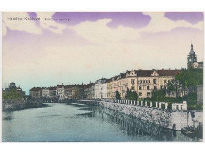 19 - Hradec Králové, Eliščino nábřeží - pohled od řeky, cca 1915