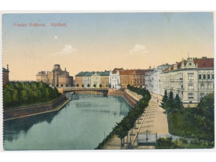 19 - Hradec Králové, Nábřeží, cca 1916