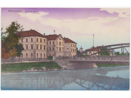44 - Pardubice, pohled na Reálné školy od řeky, cca 1916