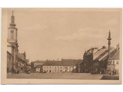 56 - Rokycany, oživené Wilsonovo náměstí, cca 1928