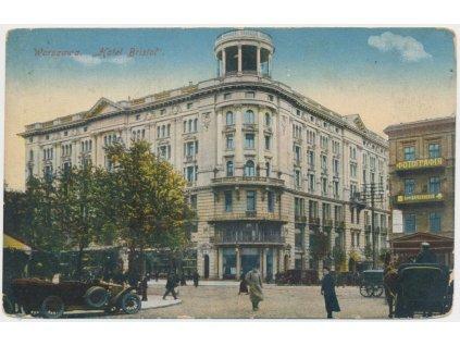 Polsko, Warszawa, Hotel Bristol, oživená partie před hotelem, ca 1916
