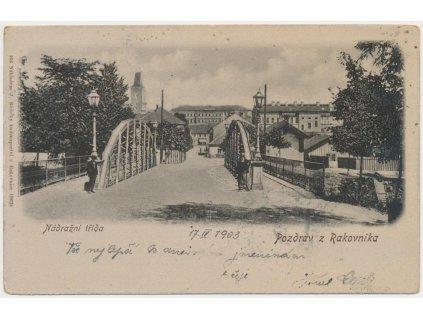 55 - Rakovník, oživená Nádražní třída, nákl. J. Růžička, cca 1902