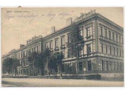 22 - Jičín, oživená partie u Učitelského ústavu, cca 1914