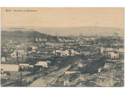 04 - Brno - město, panoramatický pohled se Špilberkem, cca 1910