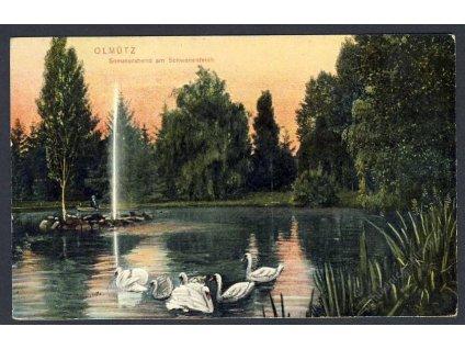41-Olomouc, Letní večer u labutího jezírka, cca 1906