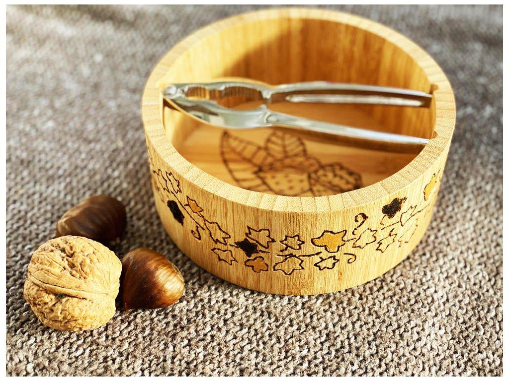 229 rucne vypalovana malovana bambusova miska na orisky s louskackem