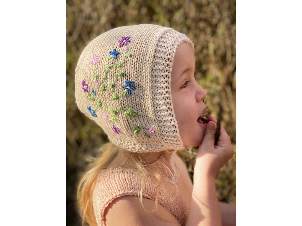 Dětská pletená karkulka s vyšívanými květinami - béžová