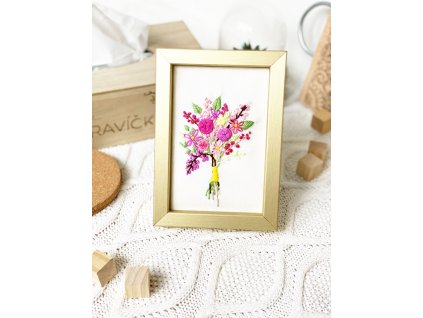 238 rucni vysivka kvetin v ramecku
