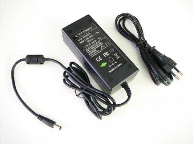 LED zdroj 12V 60W zásuvkový