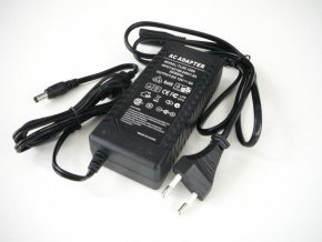 LED zdroj 12V 72W zásuvkový