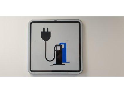 Dopravní značka elektromobil (nabíjecí stanice)