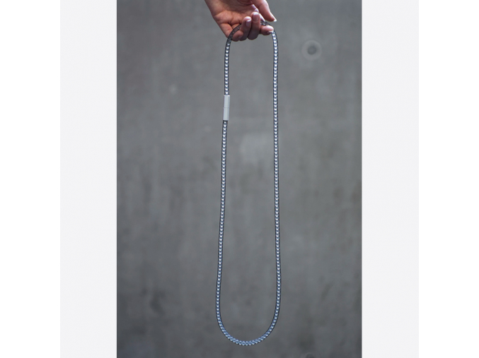 Dlouhý skleněný náhrdelník - černý