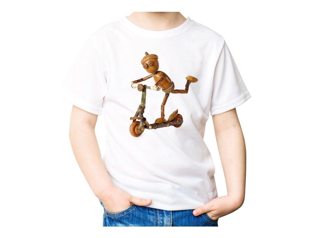 VÝPRODEJ: Bílé tričko velikosti 8 let s dubánkem na koloběžce