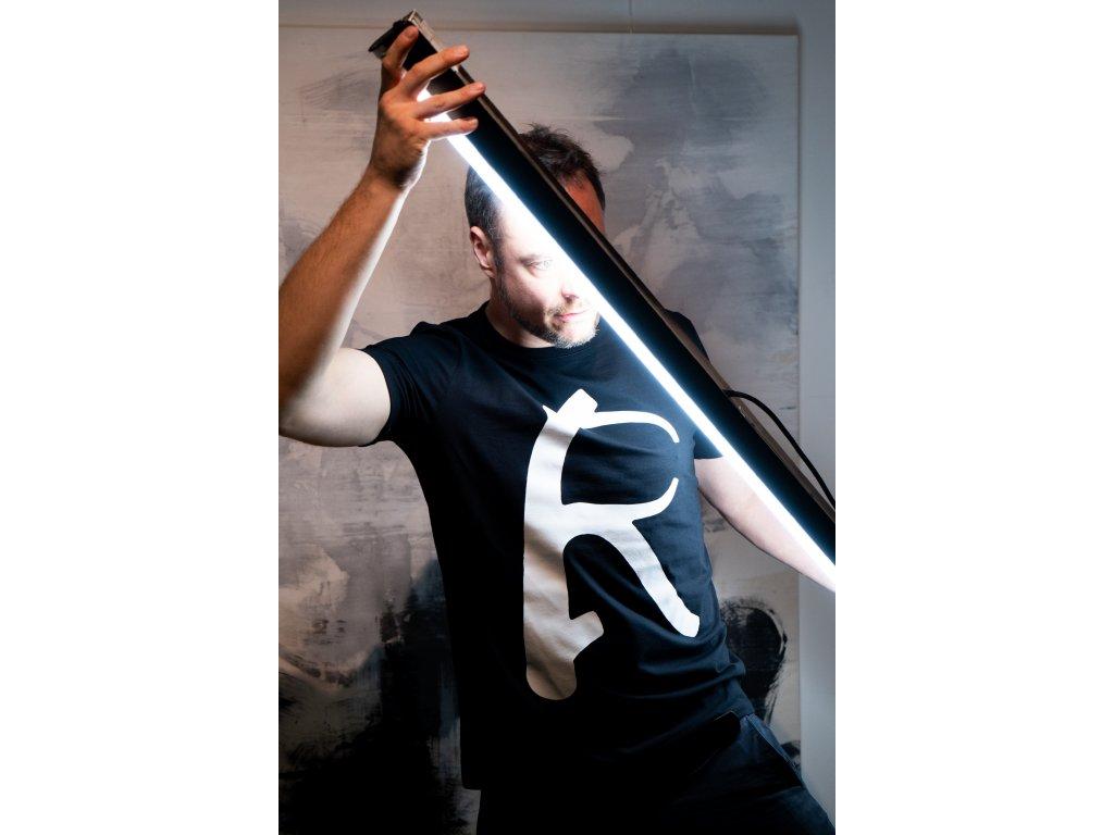 Resilience T shirt 03 DSC08951
