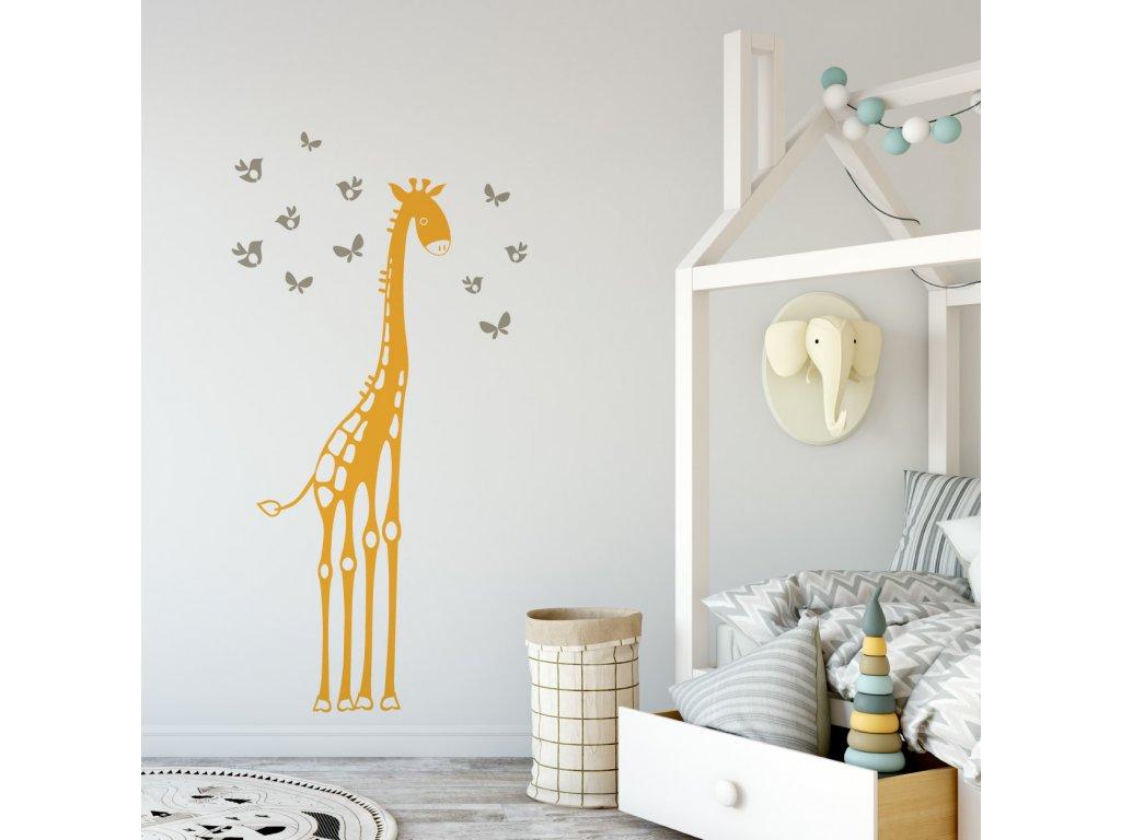 samolepka na stenu zirafa motylci a ptacci v detskem pokoji 080 036