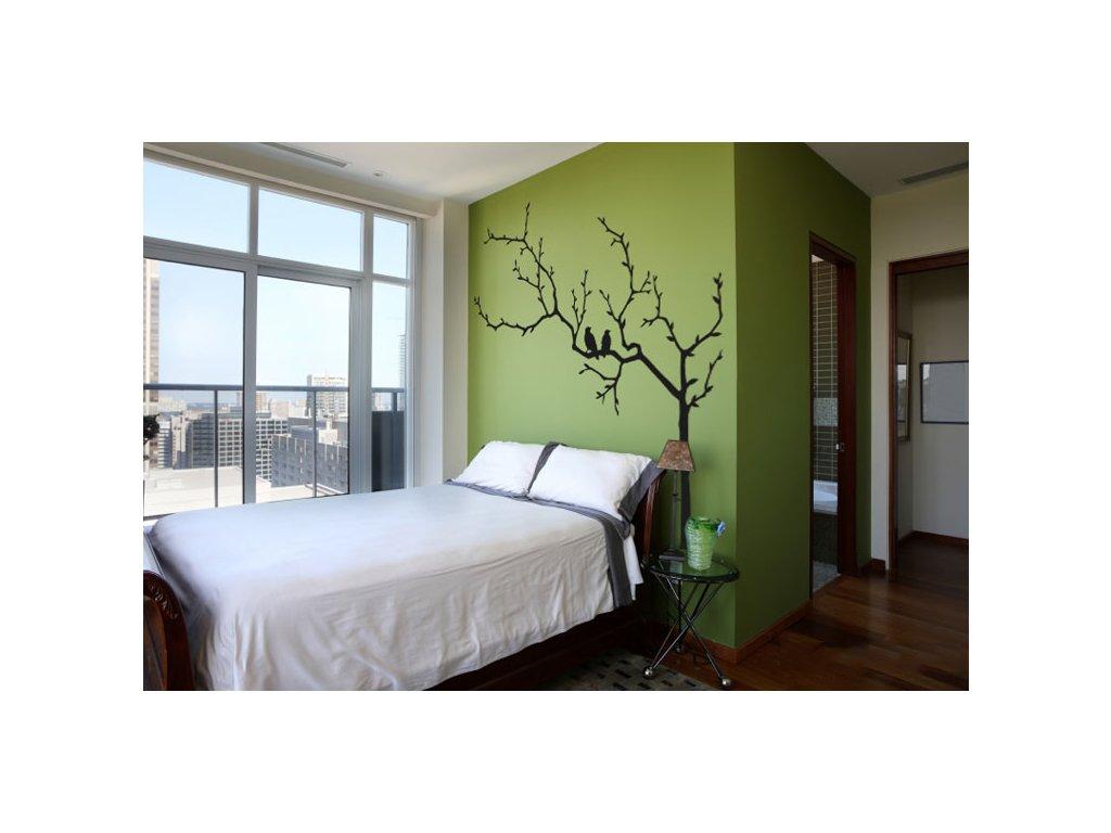 samolepici dekorace na zed na strome sedi ptaci nalepeno v loznici