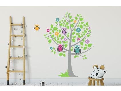 detske samolepky na zed strom a sovy na stene v detskem pokoji