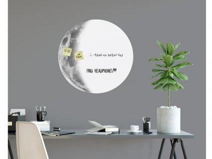 bila nalepovaci tabule moon na stene
