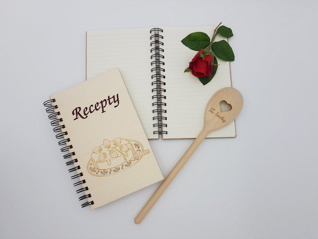 dřevěný zápisník-receptář